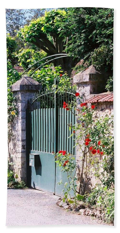 Giverny Hand Towel featuring the photograph Giverny Gate by Nadine Rippelmeyer