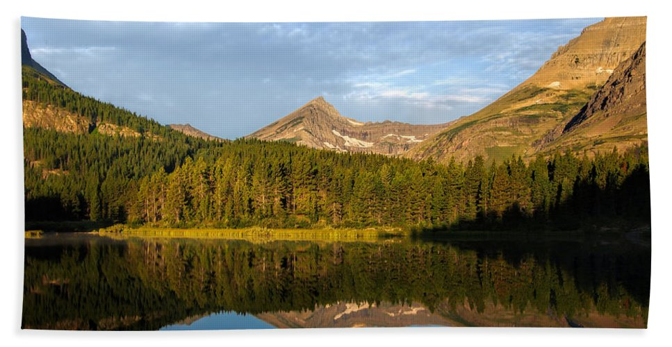 Glacier National Park Hand Towel featuring the photograph Glacier - Fishercap - Reflection by Don Keisling