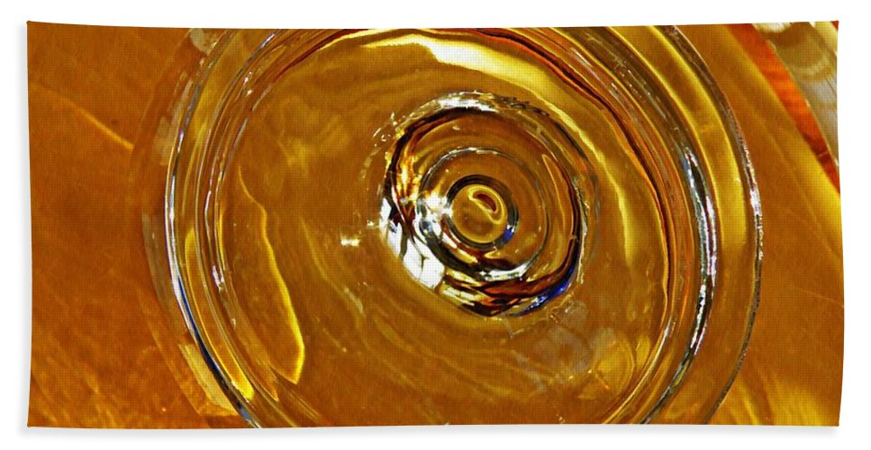 Abstract Bath Sheet featuring the photograph Glass Abstract 578 by Sarah Loft