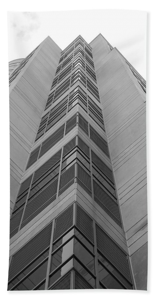 Architecture Hand Towel featuring the photograph Glass Tower by Rob Hans
