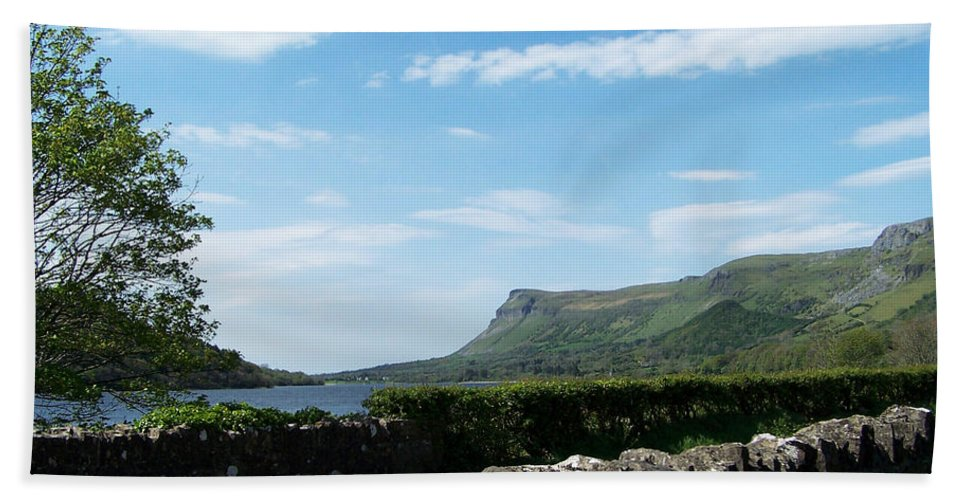 Irish Hand Towel featuring the photograph Glencar Lake With View Of Benbulben Ireland by Teresa Mucha