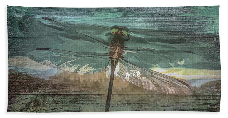 Dragon Bath Towel featuring the photograph Glistening On Wood by Debra and Dave Vanderlaan