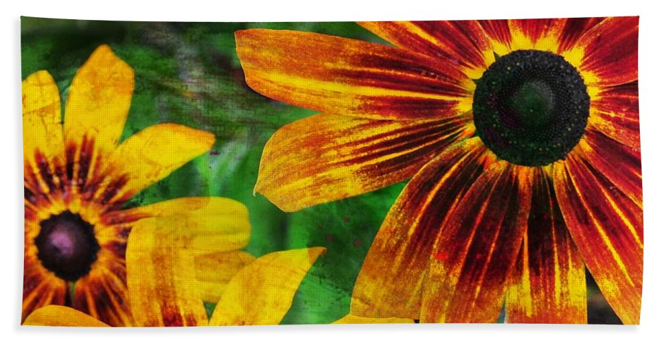 Flower Bath Sheet featuring the photograph Gloriosa Daisy by JAMART Photography