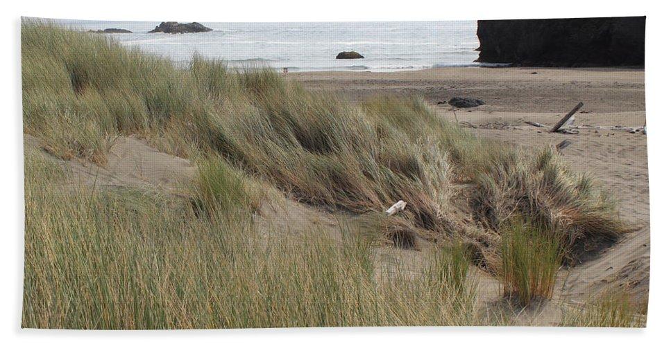 Driftwood Bath Sheet featuring the photograph Gold Beach Oregon Beach Grass 24 by Lydia Miller