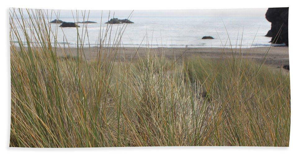Driftwood Bath Sheet featuring the photograph Gold Beach Oregon Beach Grass 7 by Lydia Miller