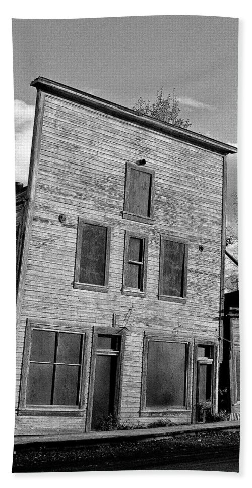 Gold Bath Towel featuring the photograph Gold Rush Saloon - Dawson City by Juergen Weiss