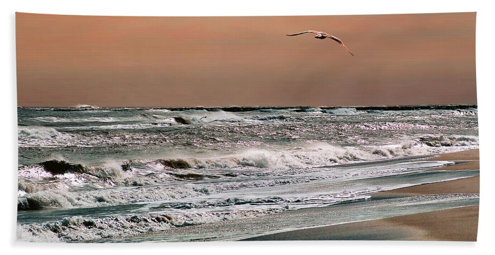 Seascape Hand Towel featuring the photograph Golden Shore by Steve Karol