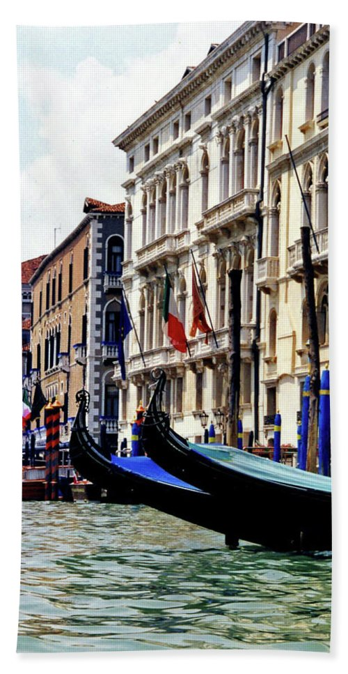 Venice Bath Sheet featuring the photograph Gondolas by George Elliott