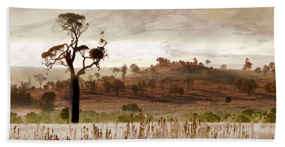 Landscapes Hand Towel featuring the photograph Gondwana Boab by Holly Kempe