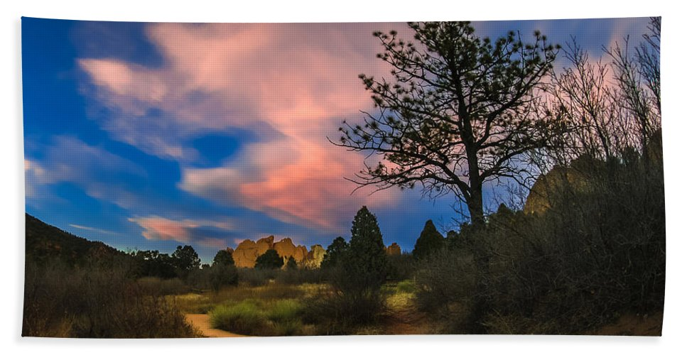 Garden Of The Gods Hand Towel featuring the photograph Good Night God's Garden 2 by Jon Williams