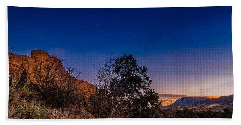 Garden Of The Gods Hand Towel featuring the photograph Good Night God's Garden 3 by Jon Williams