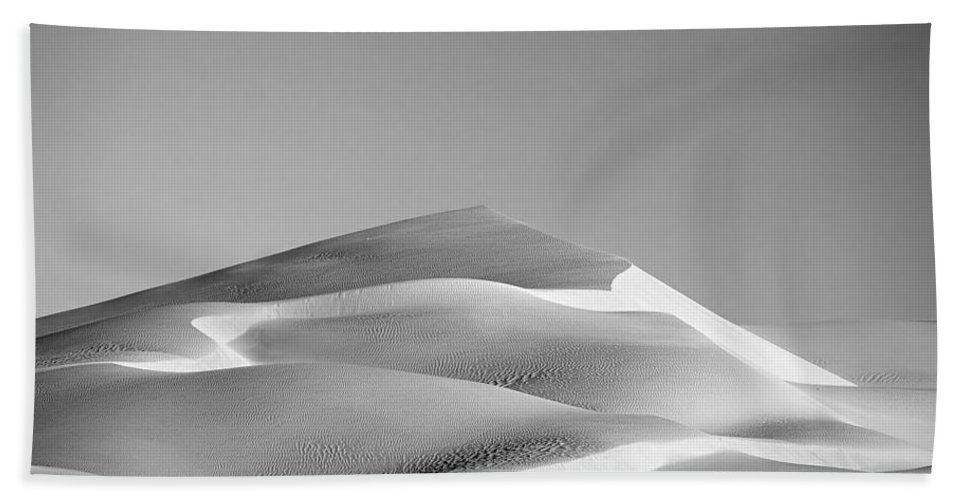 Black & White Bath Sheet featuring the photograph Gordon Wells Dunes by Peter Tellone