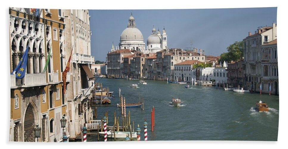Grand Bath Sheet featuring the photograph Grand Canal 4443 by Bob Neiman