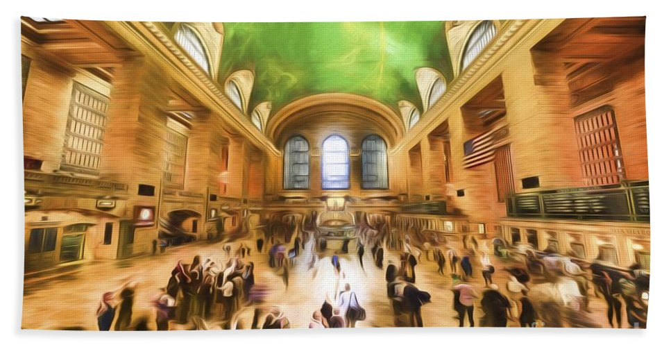 Grand Hand Towel featuring the photograph Grand Central Rush   Go2 by Ray Warren