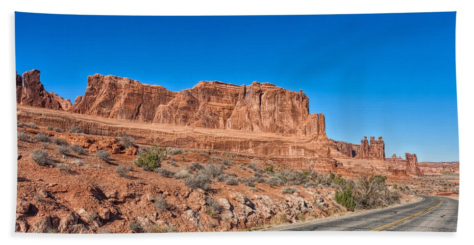 Landscape Hand Towel featuring the photograph Grand Entrance by John M Bailey