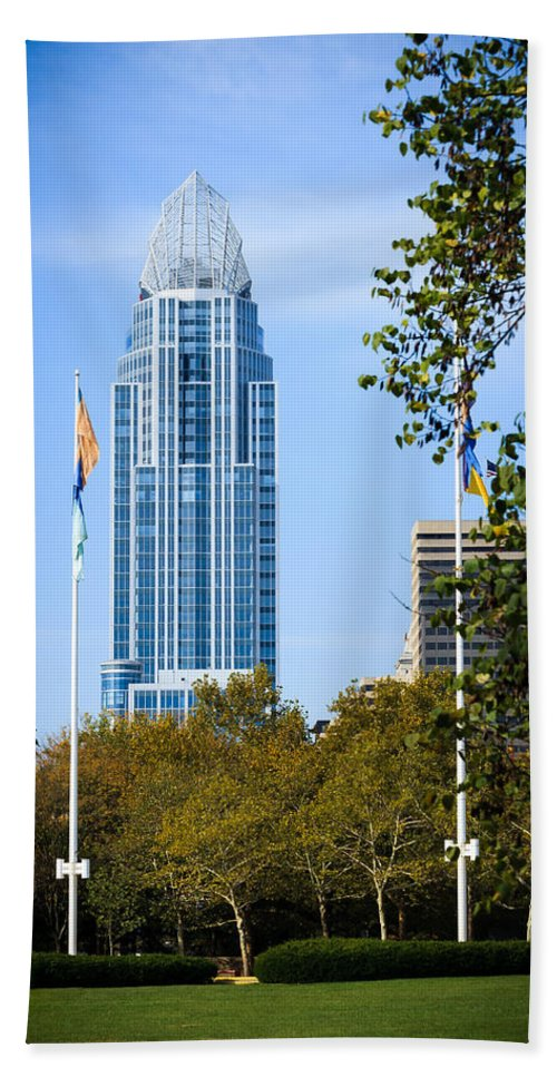 Cincinnati Hand Towel featuring the photograph Great American Tower by Keith Allen