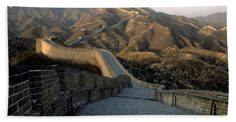 Great Wall Of China Hand Towel featuring the photograph Great Wall Of China by Steve Williams