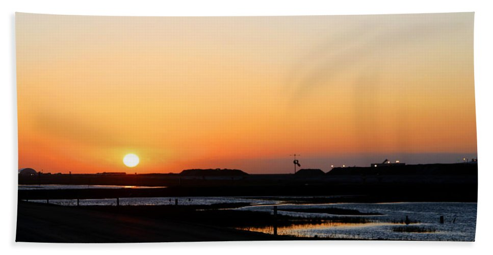 Landscape Hand Towel featuring the photograph Greater Prudhoe Bay Sunrise by Anthony Jones