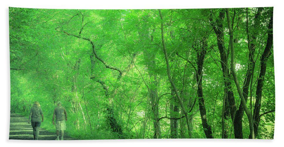 Landscape Bath Sheet featuring the photograph Green Creeper by Jim Love