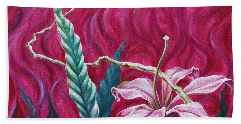 Bath Towel featuring the painting Green Leaf by Jennifer McDuffie