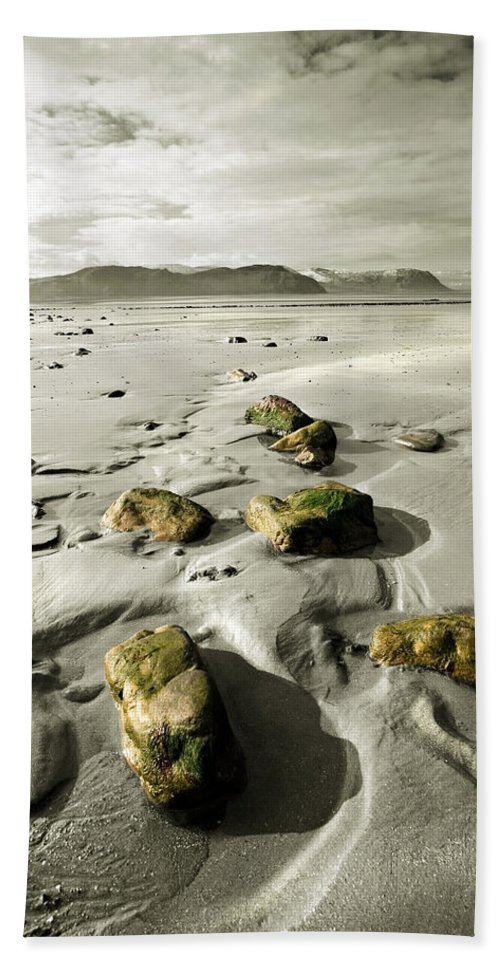 Beach Bath Towel featuring the photograph Green Stones On A North Wales Beach by Mal Bray