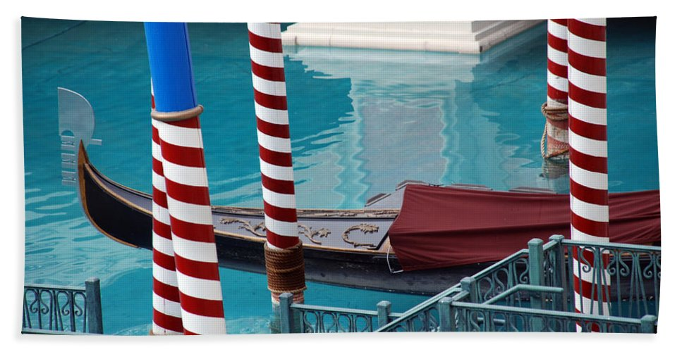 Las Vegas Hand Towel featuring the photograph Greetings From Venice by Susanne Van Hulst