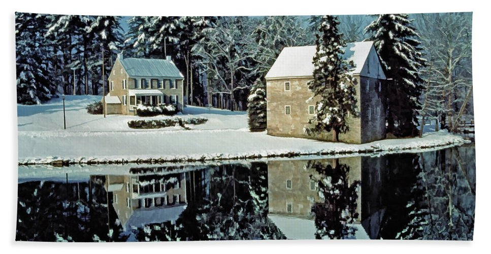 Grings Mill Recreation Area Bath Towel featuring the photograph Grings Mill Snow 001 by Scott McAllister