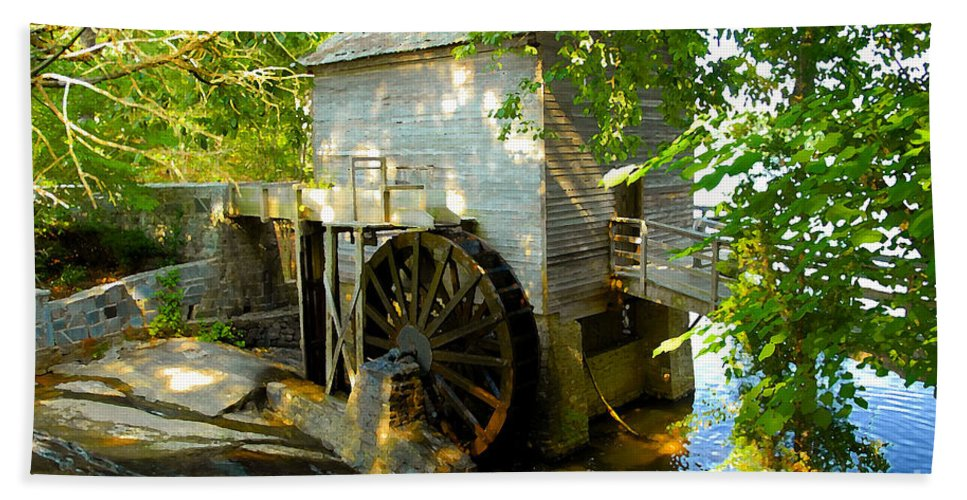 Grist Mill Hand Towel featuring the photograph Grist Mill by David Lee Thompson