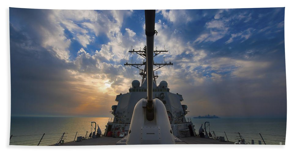 Uss Higgins Hand Towel featuring the photograph Guided-missile Destroyer Uss Higgins by Stocktrek Images