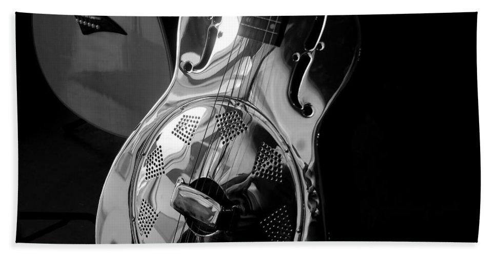 Guitars Bath Towel featuring the photograph Guitars by David Lee Thompson