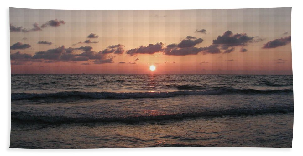 Gulf Hand Towel featuring the photograph Gulf Sunset by Bill Cannon