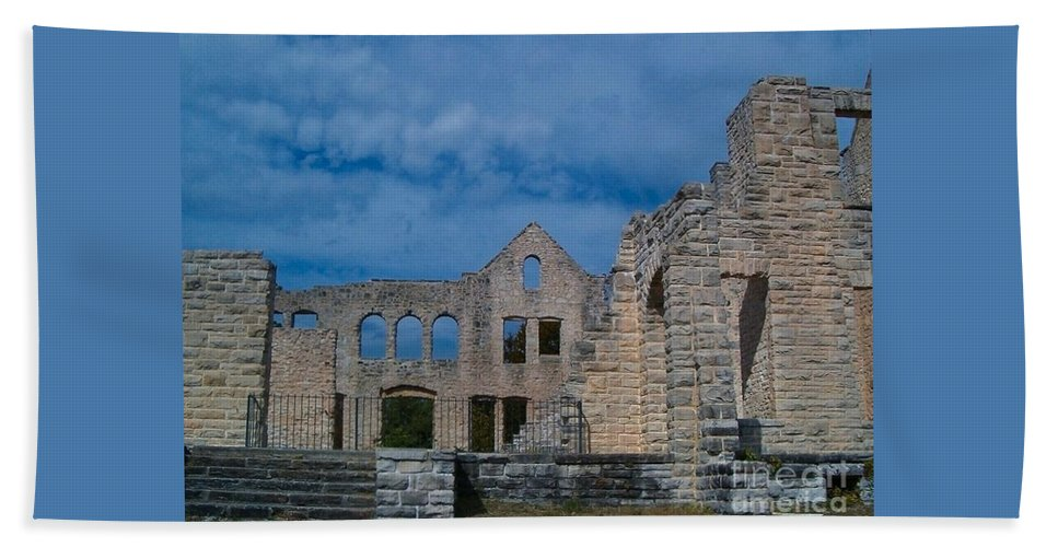 Castle Hand Towel featuring the photograph Haha Tonka Castle 1 by Sara Raber