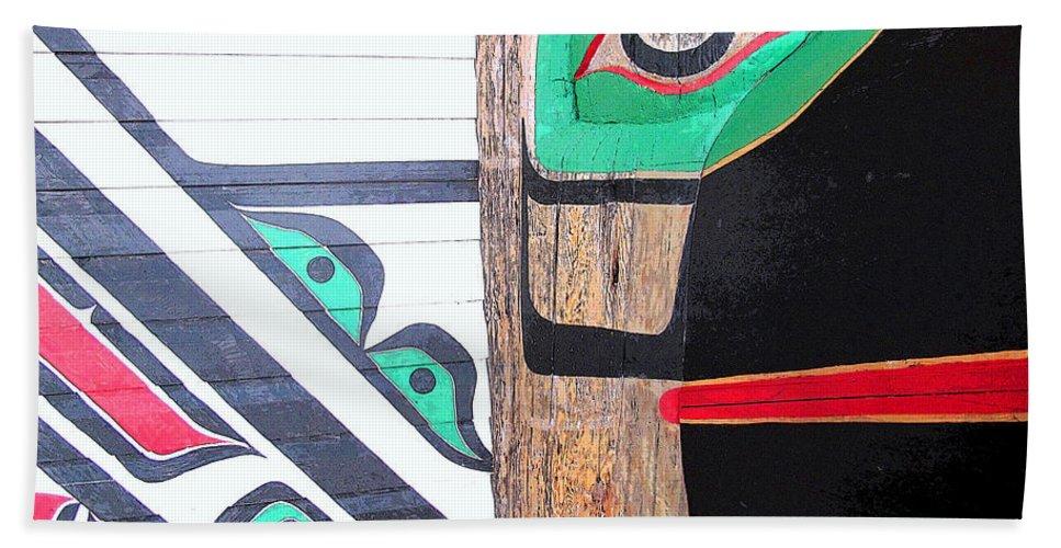 Bird Hand Towel featuring the photograph Haida One by Ian MacDonald