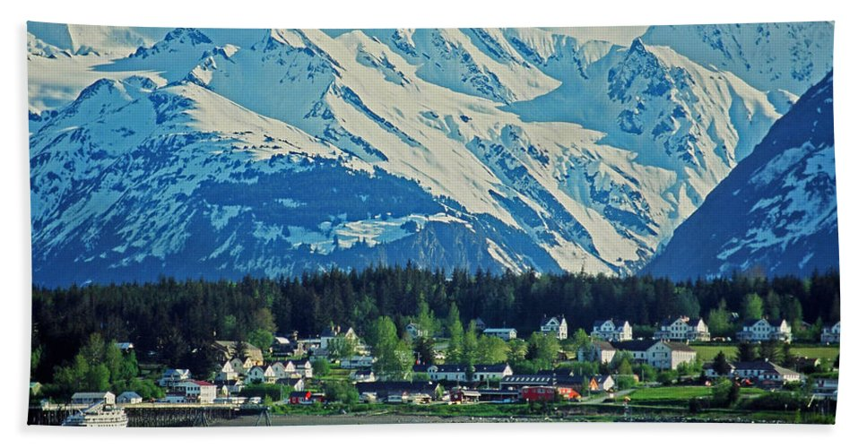 North Hand Towel featuring the photograph Haines - Alaska by Juergen Weiss
