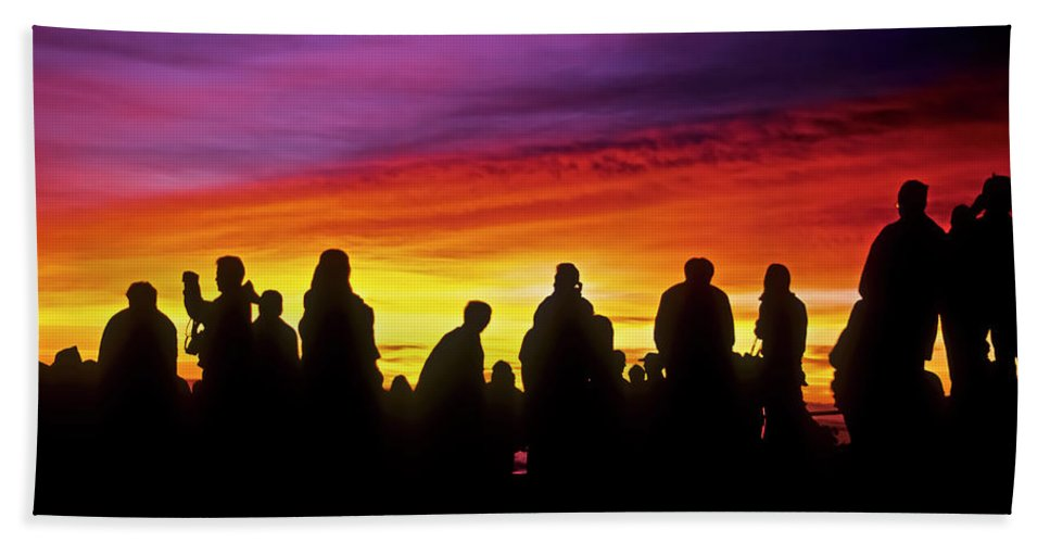 Haleakala Sunrise Bath Towel featuring the photograph Haleakala Color Show by Jim Cazel
