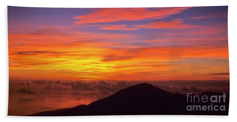 Nature Bath Sheet featuring the photograph Haleakala Sunrise Colors IIi by Jim Cazel