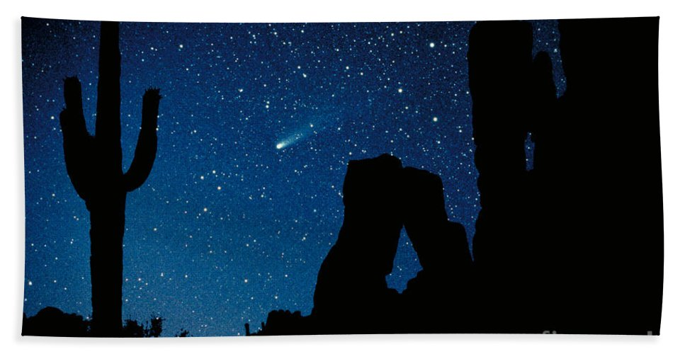 Halley's Comet Hand Towel featuring the photograph Halley's Comet by Frank Zullo