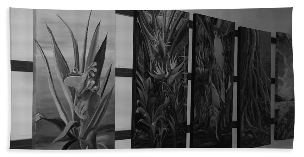 Black And White Hand Towel featuring the photograph Hanging Art by Rob Hans