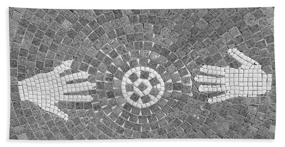 Black And White Bath Towel featuring the photograph Hans Mosaic by Rob Hans