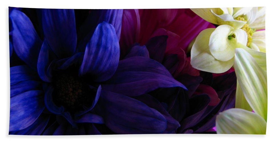 Patzer Bath Towel featuring the photograph Happy Flowers by Greg Patzer