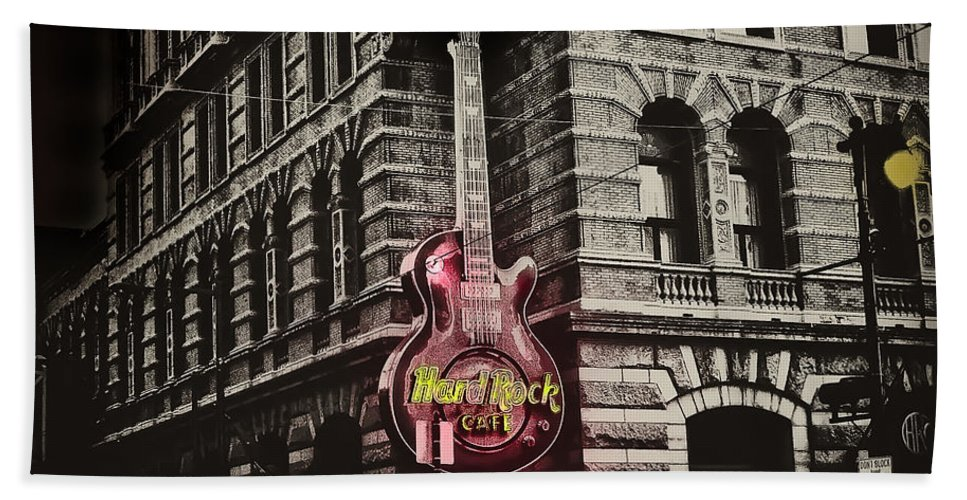 Philadelphia Bath Sheet featuring the photograph Hard Rock Philly by Bill Cannon