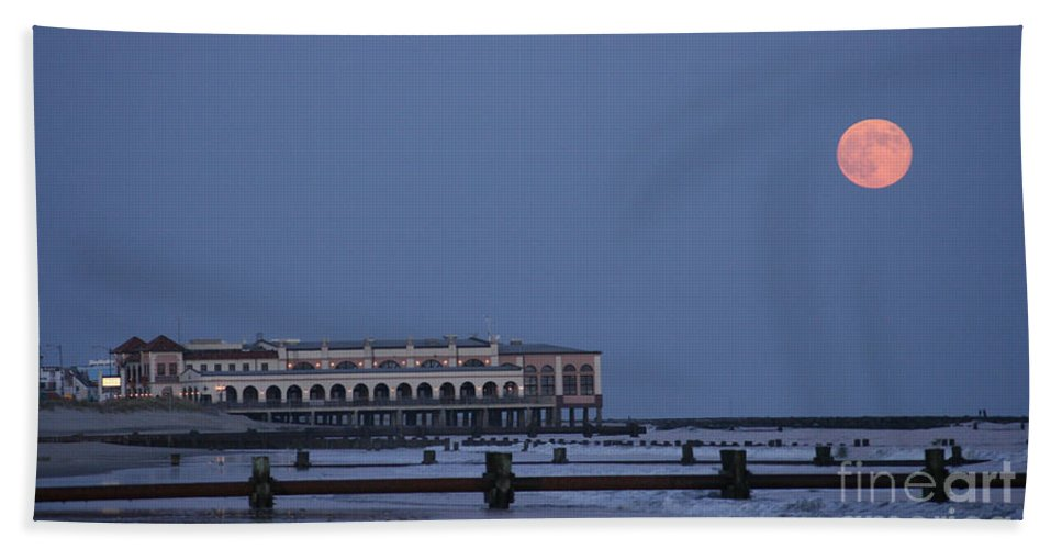 Ocean City Hand Towel featuring the photograph Harvest Moon by Kevin Haughey
