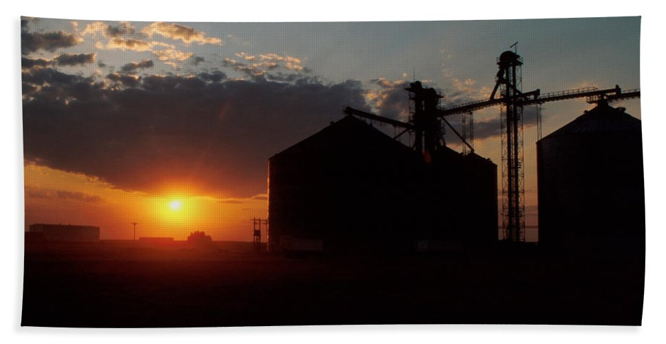 Harvest Hand Towel featuring the photograph Harvest Sunset by Jerry McElroy