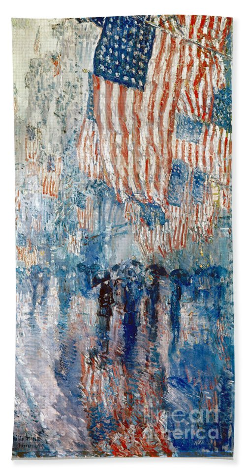 1917 Bath Towel featuring the painting Avenue In The Rain, 1917 by Childe Hassam