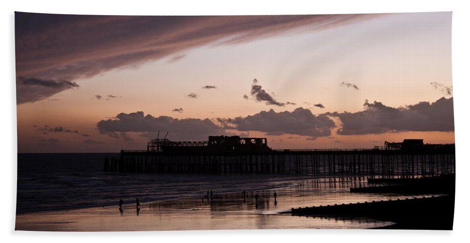 Hastings Pier Hand Towel featuring the photograph Hastings Pier by Dawn OConnor