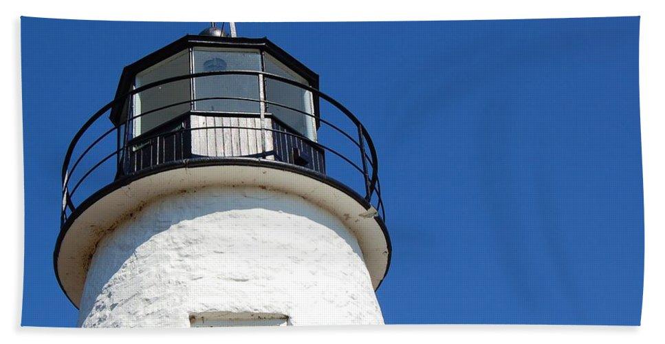 Lighthouse Bath Sheet featuring the photograph Havre De Grace Lighthouse 2 by Debbi Granruth