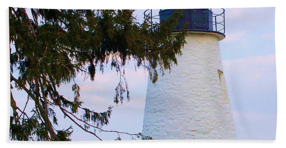 Lighthouse Bath Towel featuring the photograph Havre De Grace Lighthouse by Debbi Granruth