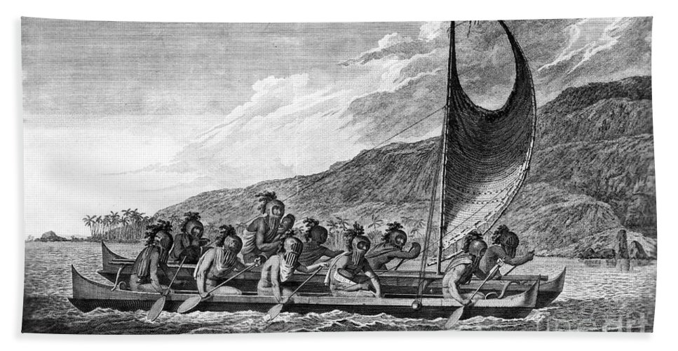 1779 Bath Towel featuring the photograph Hawaii: Canoe, 1779 by Granger