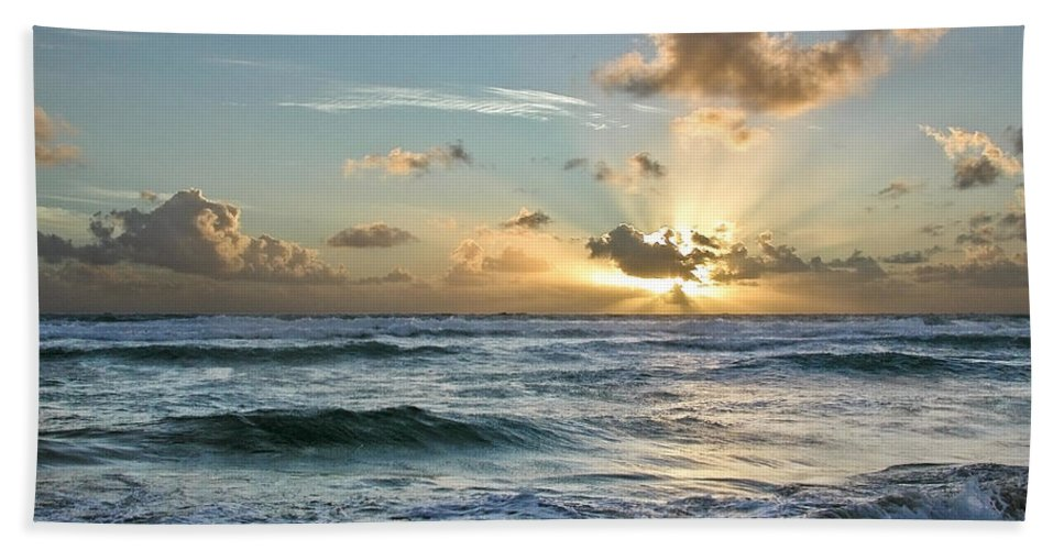 Hawaii Hand Towel featuring the photograph Hawaii Sunrise by Robert Ponzoni