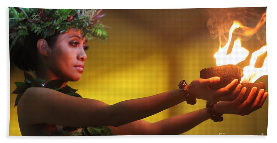Fire Hand Towel featuring the photograph Hawaiian Dancer And Firepots by Nadine Rippelmeyer